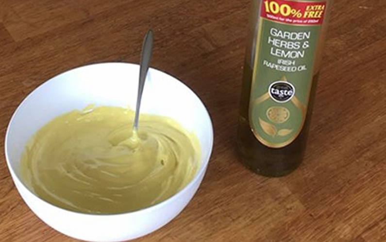 Homemade Mayonnaise using Newgrange Gold Garden Herbs & Lemon